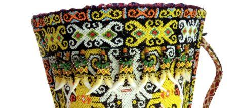 Gendongan bayi suku Dayak Kenyah (koleksi Studio Hanafi). Dokumentasi: Sari Wulandari.